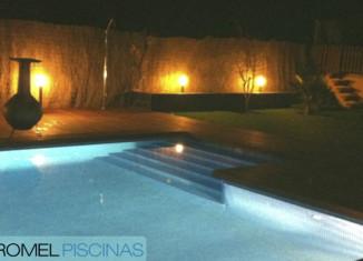 consejos iluminación jardín y piscinas